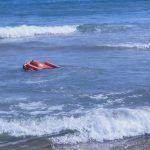 Demostracion dolphin 1 con cruz roja en Guardamar de la Safor
